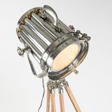 Vloerlamp Tripod Torch hout met chroom close-up